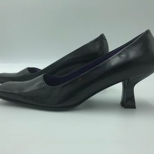Enzo Angiolli Kitten Heels 6.5 black